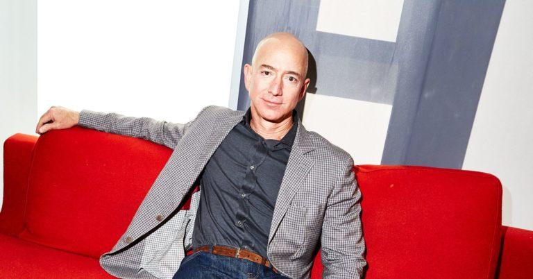 Amazon's Jeff Bezos Says Tech Companies Should Work With the Pentagon