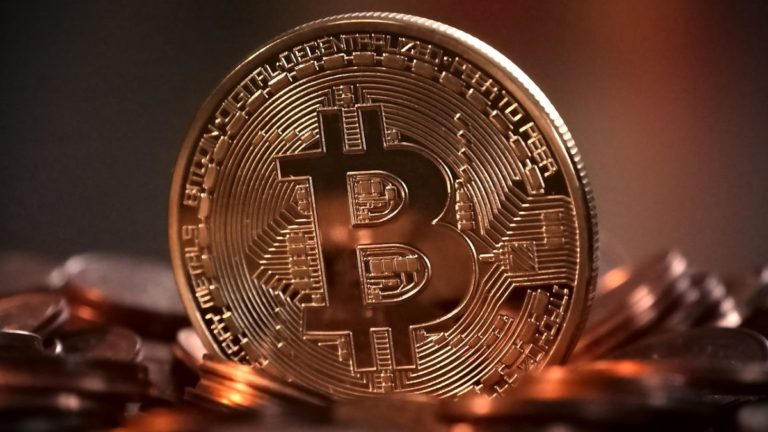 Scammers are using fake Facebook accounts to trick users out of Bitcoin