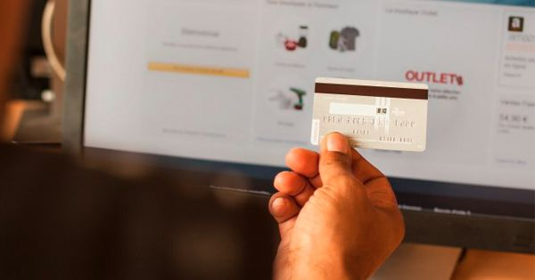 Credit Cards With Constantly Changing CVVs Could Prevent Fraud