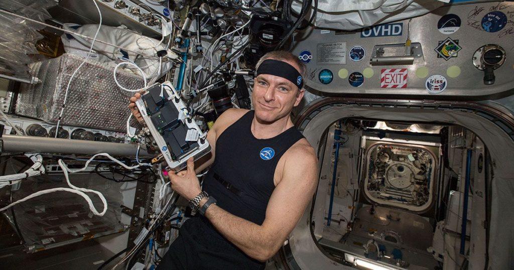 hexoskin astroskin astronaut vitals 1200x630